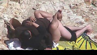 Estrangeiro - Hidden Cam Couple, BBW in the beach sex