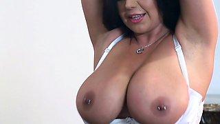 Brazzers - Milf Sheridan Love sucks cock