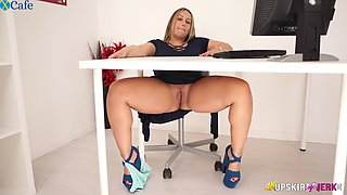 Ashley Rider Chubby English Nympho Rubs her Meaty Pussy In The Office