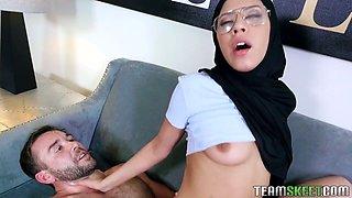 Shy Arab babe wearing hijab Angel Del Rey turned to be anal-insane bitch