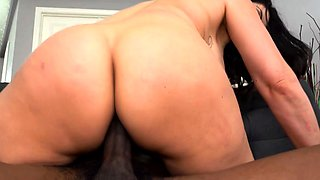Busty Cougar Makayla Cox Does Anal With A BBC