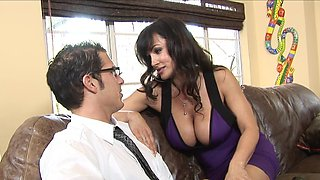 Voluptuous Lisa Ann can get really nasty