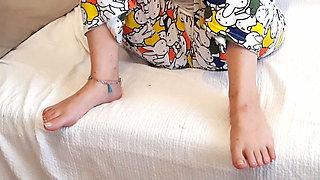 Short feet Gf, opens legs and shows crotch shot