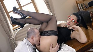 Fantasy office hardcore with Kira Queen