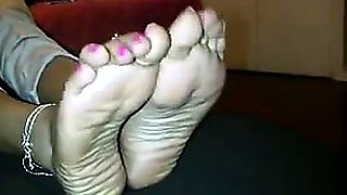 Arab Girlfriends Cute Feet With Pink Nails