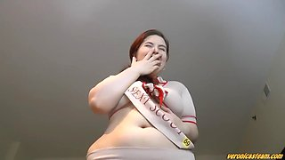 Fat Ass Pawg Mooning Her Big Fat Gassy Ass