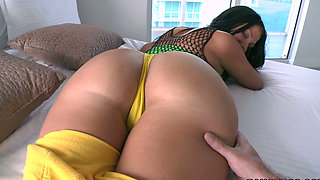 Brutal macho spnaks Madison Rose's bouncing booty