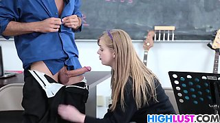 Prof fucks his student Dolly Leigh