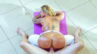 Big booty blonde slut gets nailed by her handsome yoga teacher