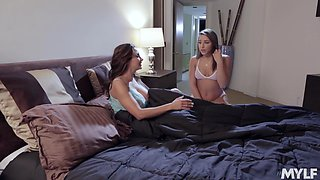 True passion between stepmom and stepdaughter Ava Adams and Abella Danger