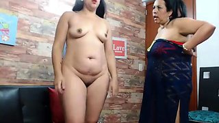 Indian mature BBW aunty exposing
