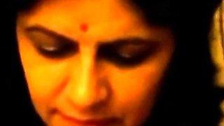 Famous 'gaand maro meri' Indian aunty