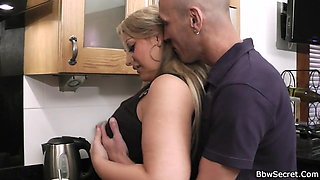 Hot bbw cheating sex on the kitchen